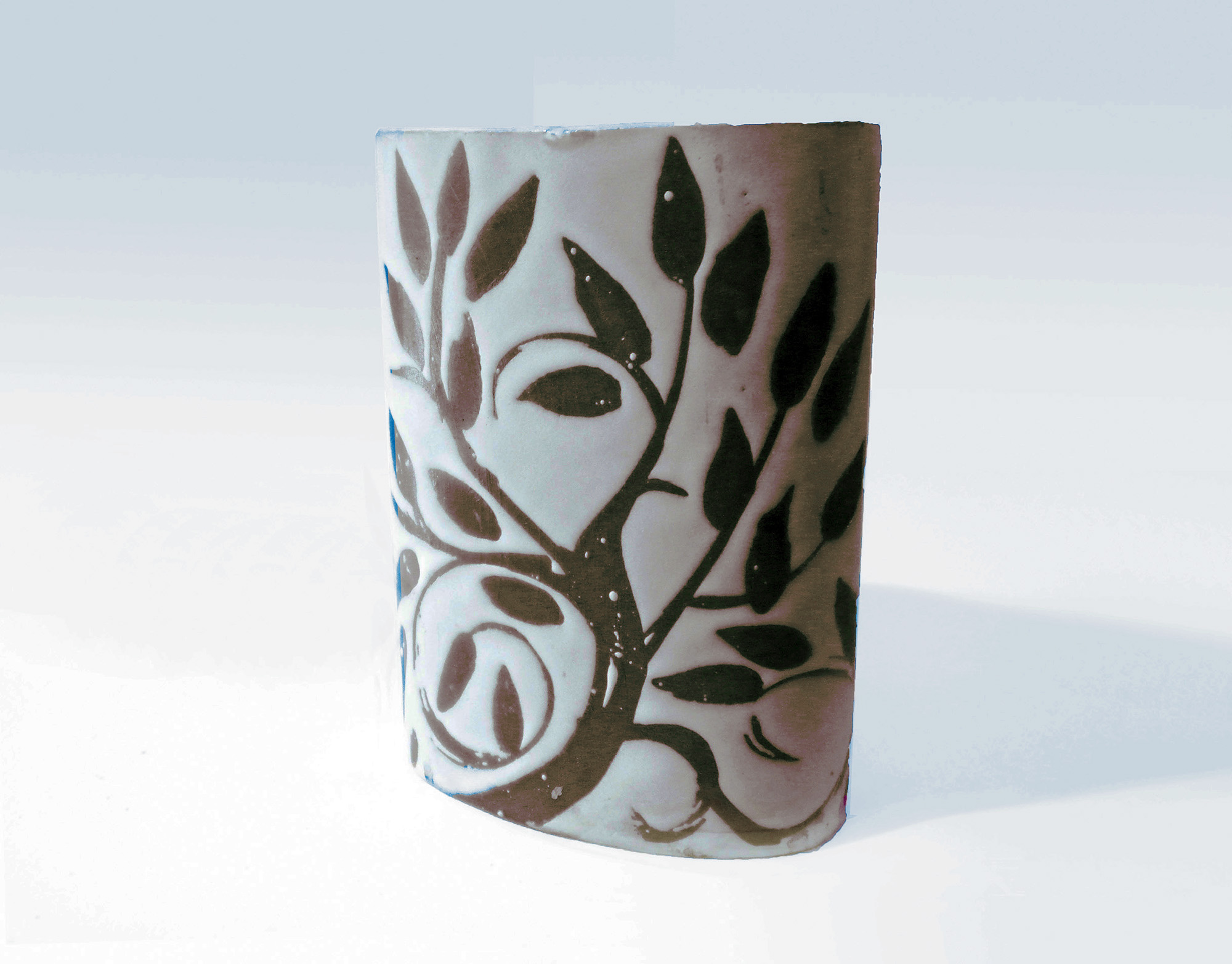 Short Oval Cylinder Vase in Brown Leaf on Gray