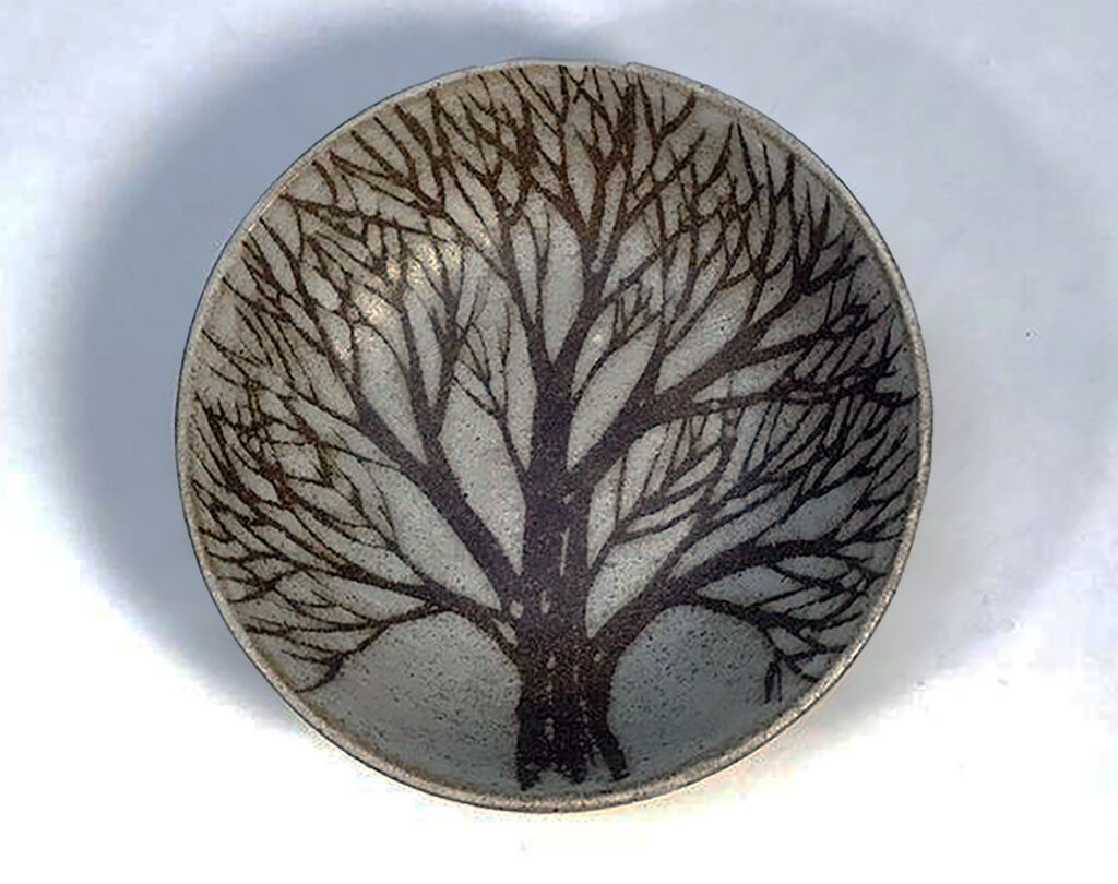 Eight Inch Round Bowl in Brown Tree