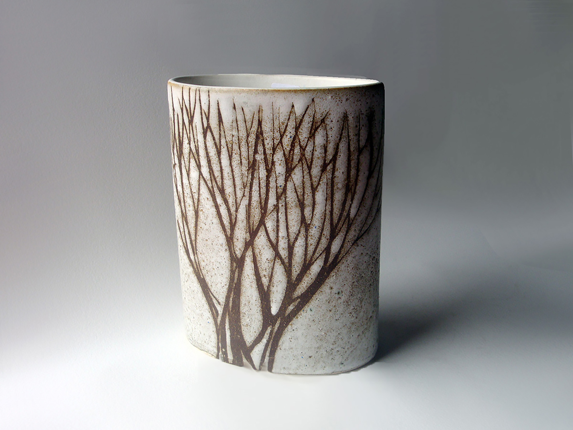 Short Oval Cylinder Vase in Brown Tree