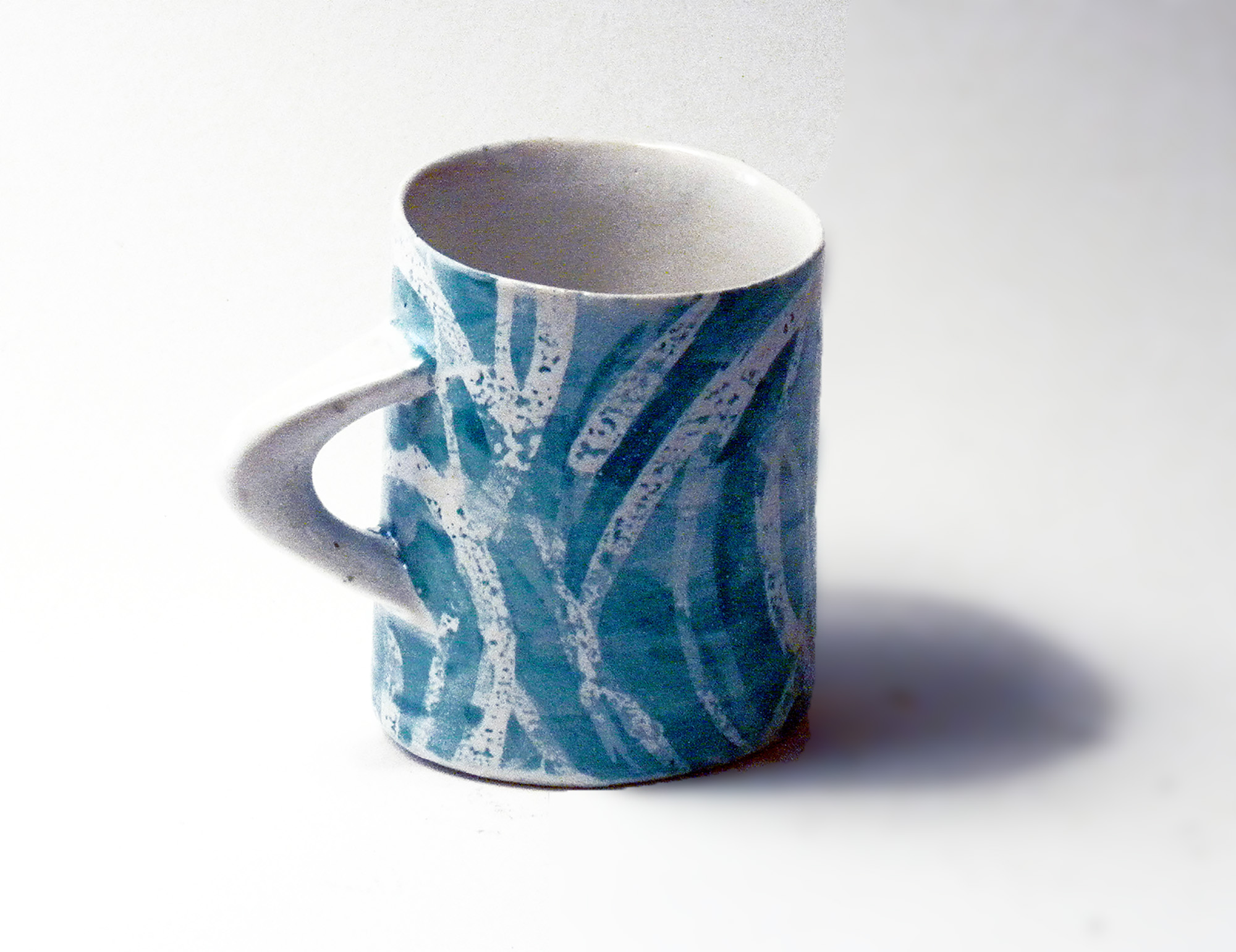Reversed Oval Mug in Turquoise Grass Pattern