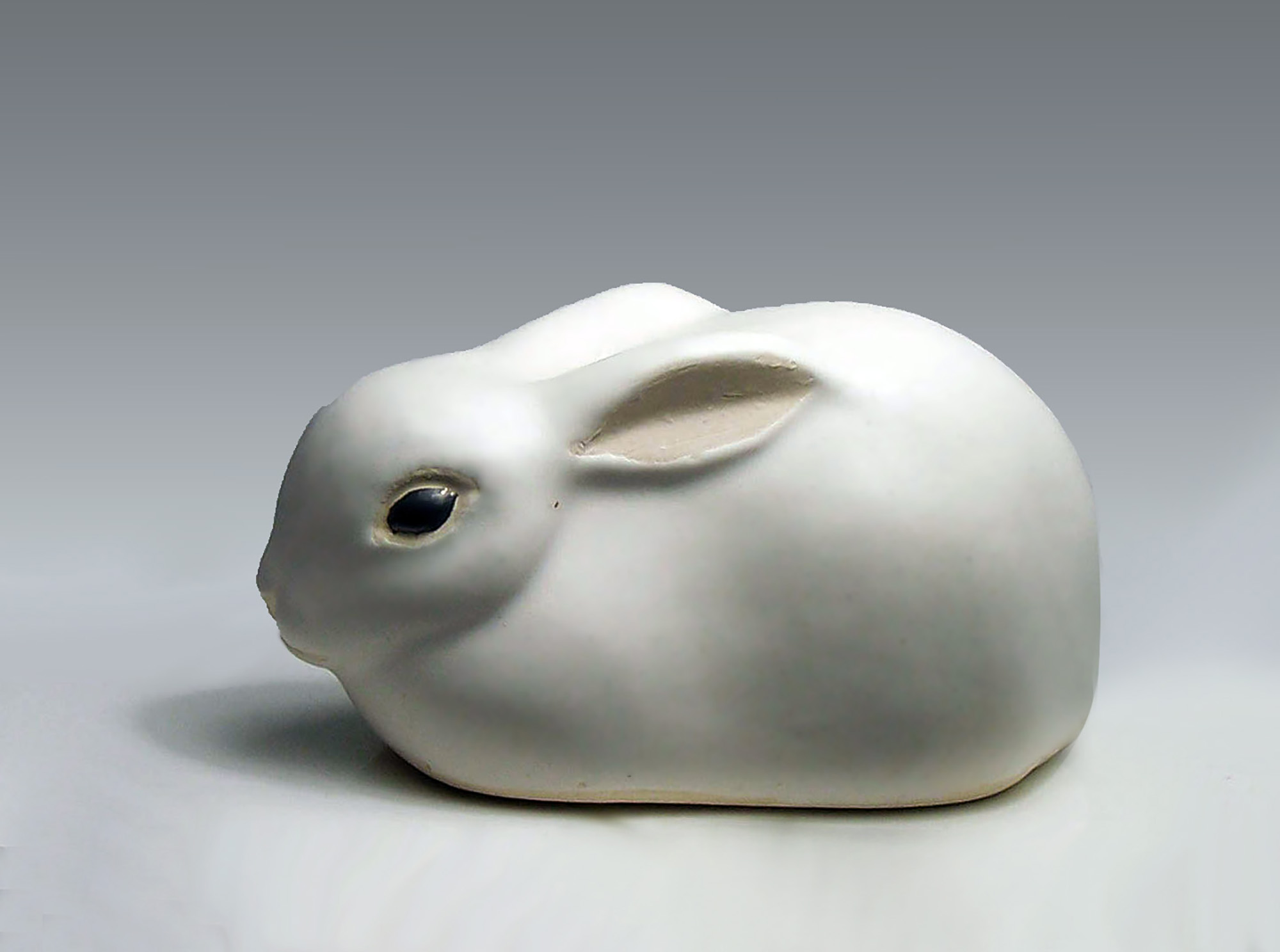 Rabbit with Ears Back White