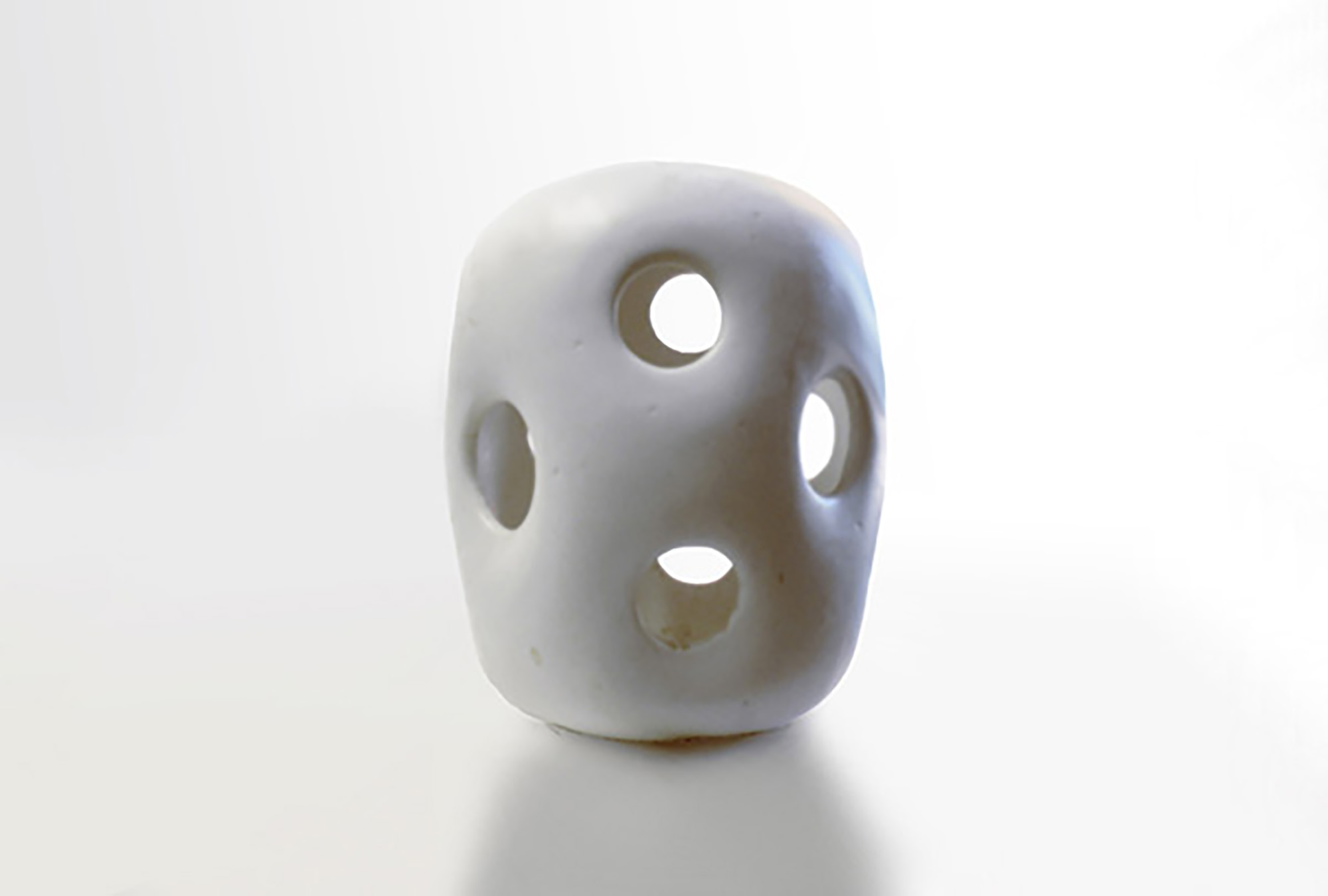 Short Modulus Vase with Cut Outs in White Glaze 600