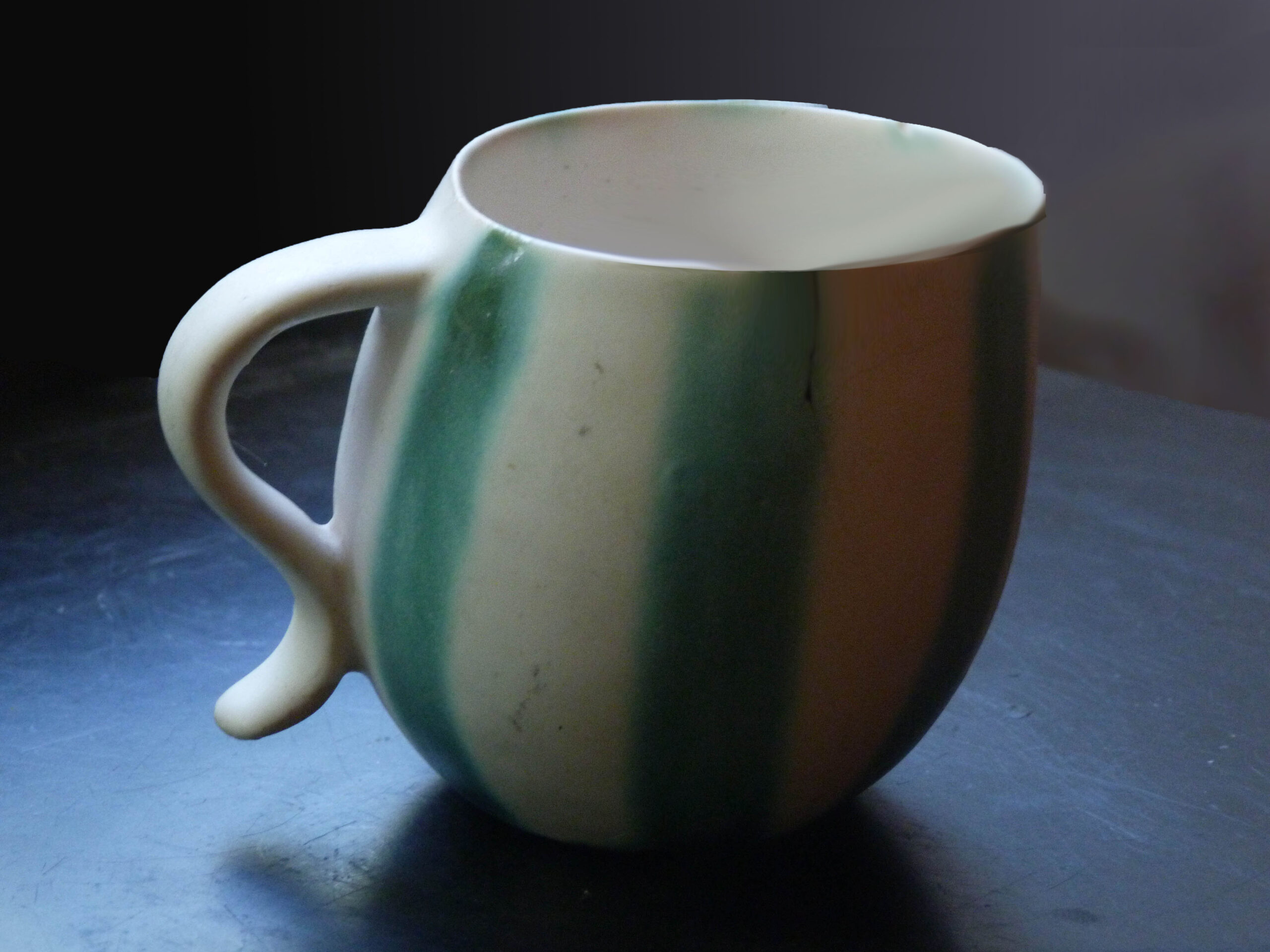 Leaning Mug with Wide Handle